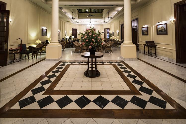 lobby strand