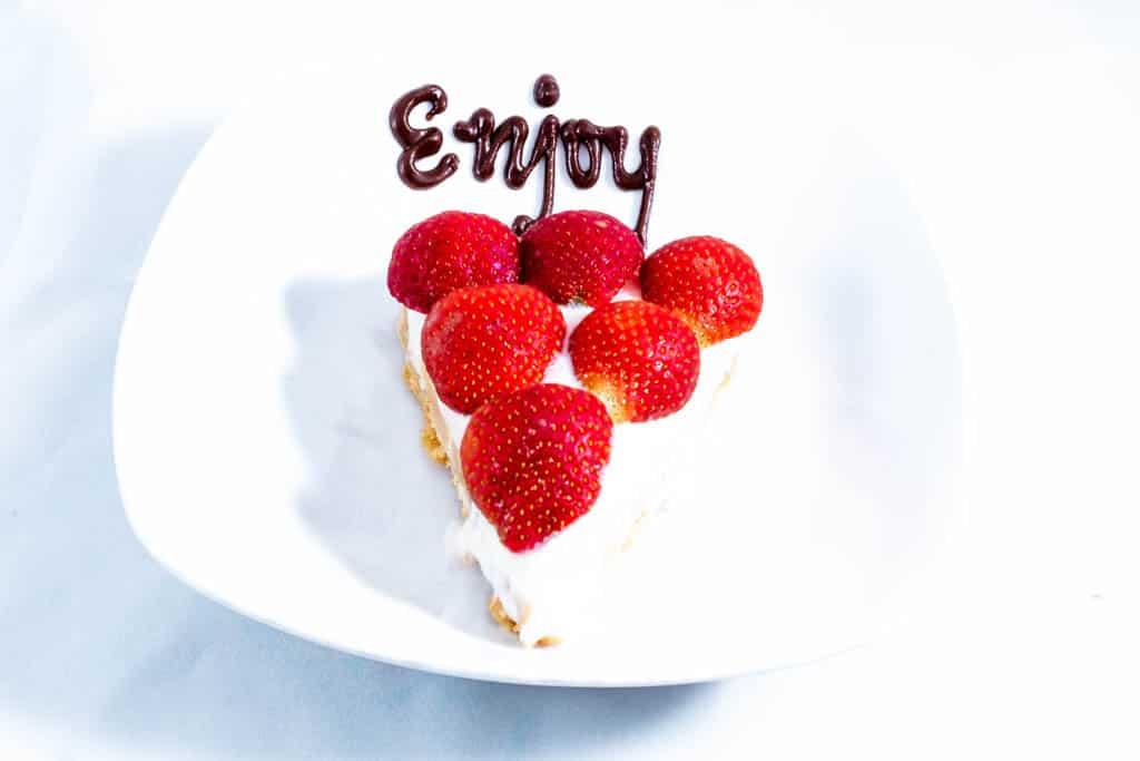 Strawberry Banana Yoghurt Pie