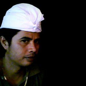 Balinese White Udeng Headdress