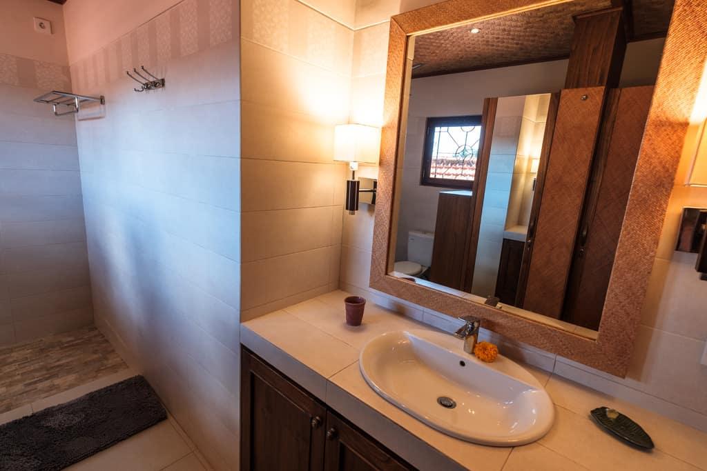 Luxury Rooms at Murnis Houses 3rd Floor
